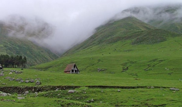 Cabaña solitaria en Tafí del Valle