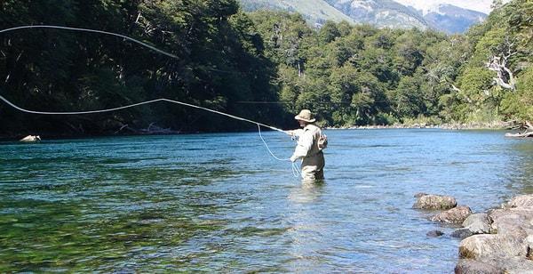 Pesca deportiva en Parque Nacional Los Alerces